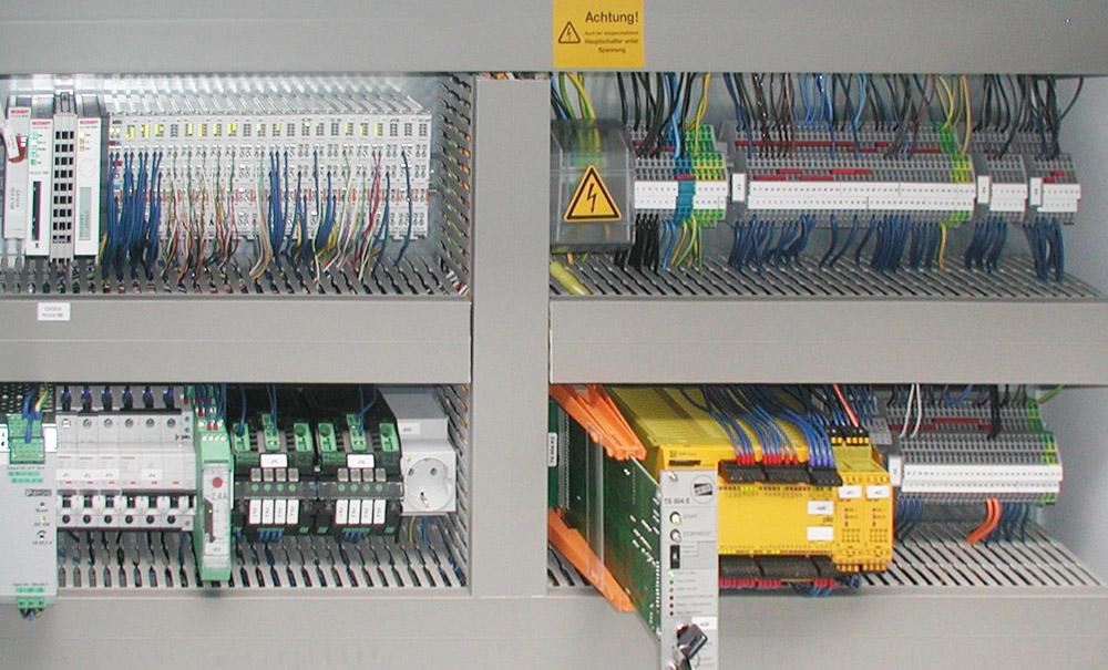 Elektrotechnik Schaltschrank