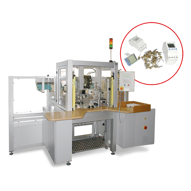 Automatic machine with rotary transfer